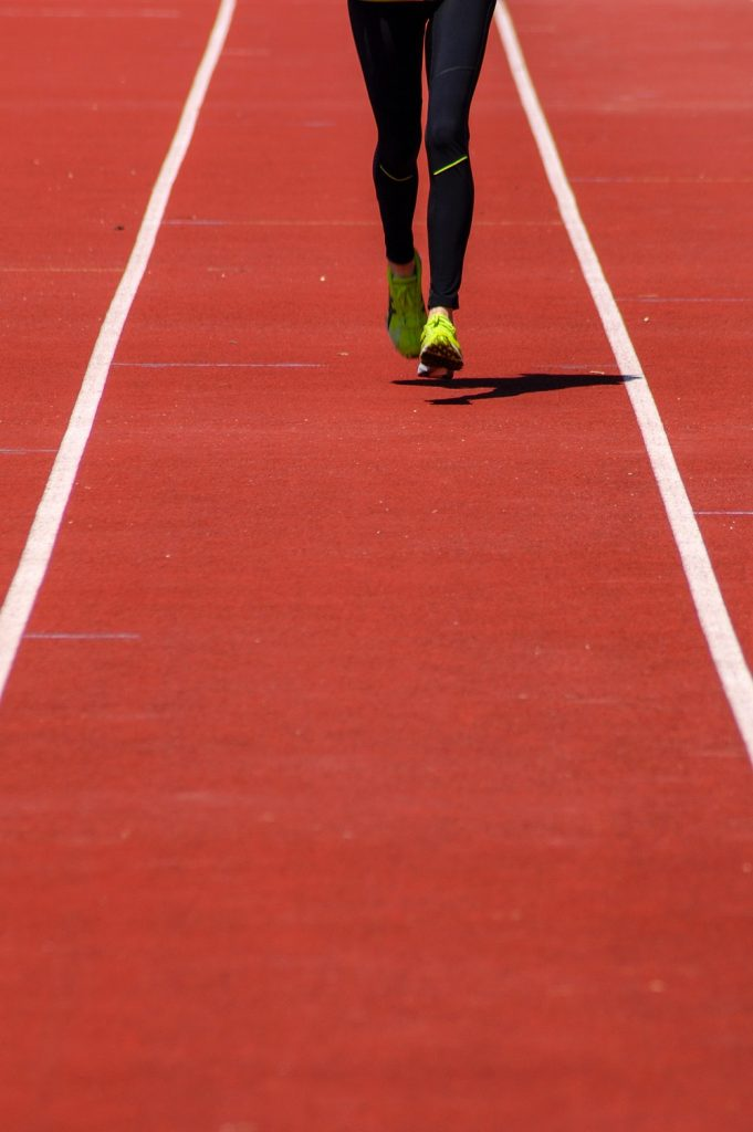 Fartlek training definition - woman running
